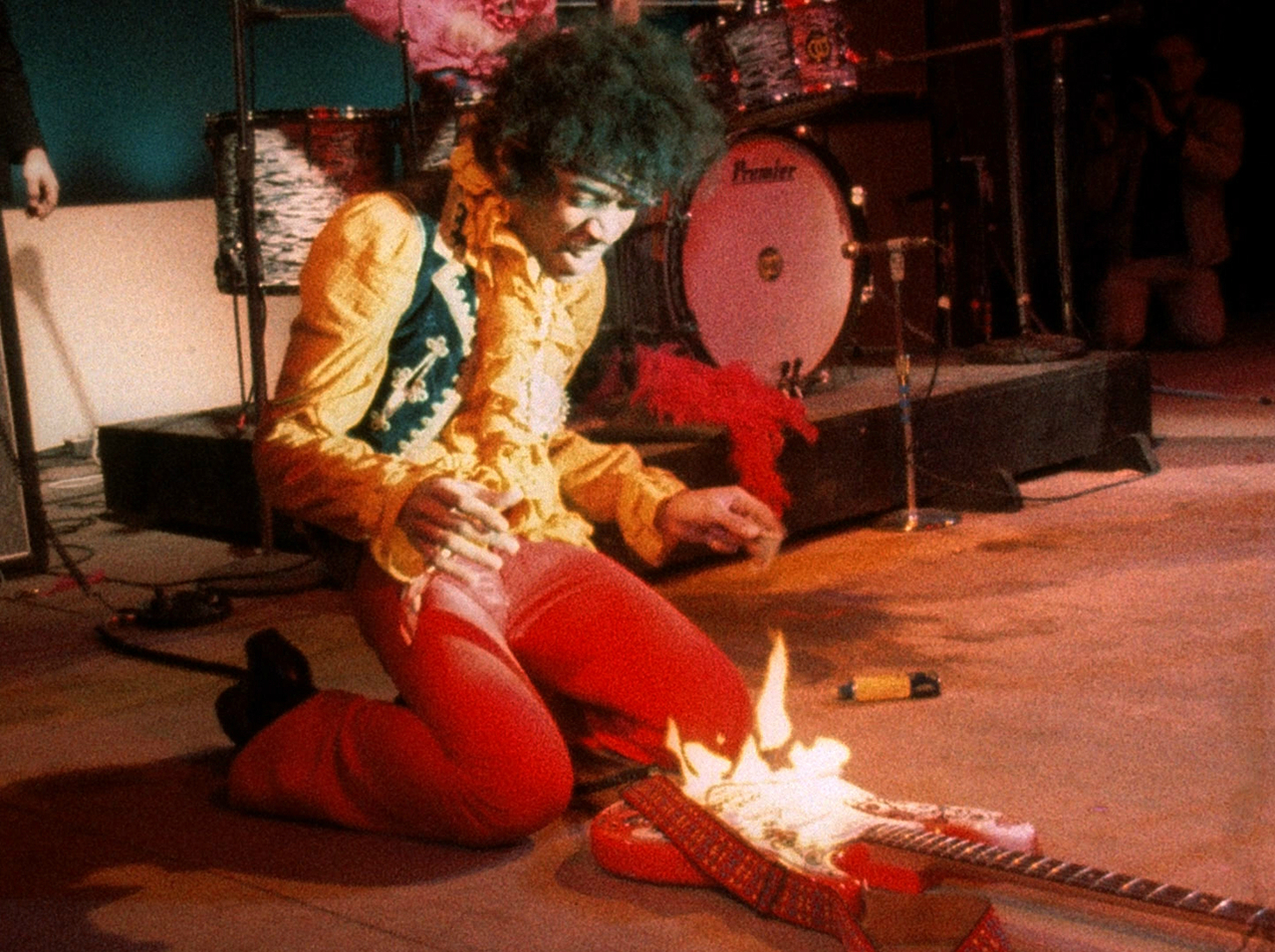 Jimi hendrix guitar on fire monterey live