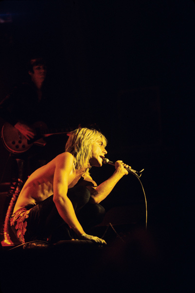 iggy pop pic on the floor