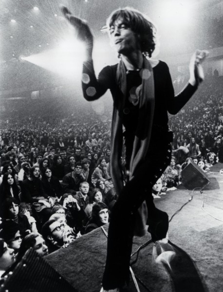 young mick jagger live on stage