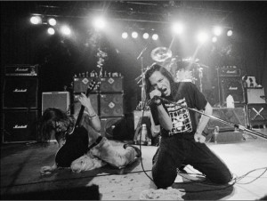 early pearl jam live on stage
