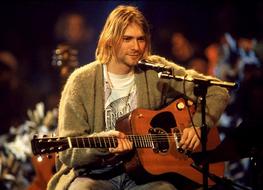 kurt cobain on mtv unplugged with his acoustic martin d 18 e