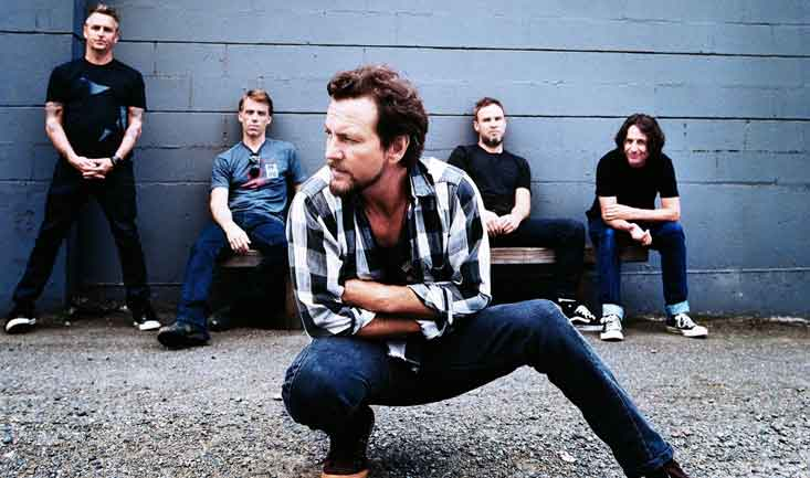 new photo from pearl jam band in 2013
