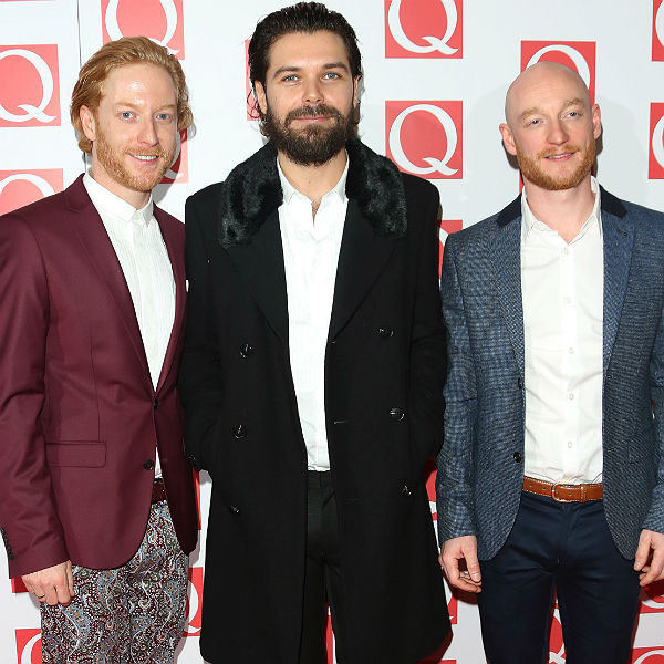 thank fuck david bowie isn t here biffy clyro q awards