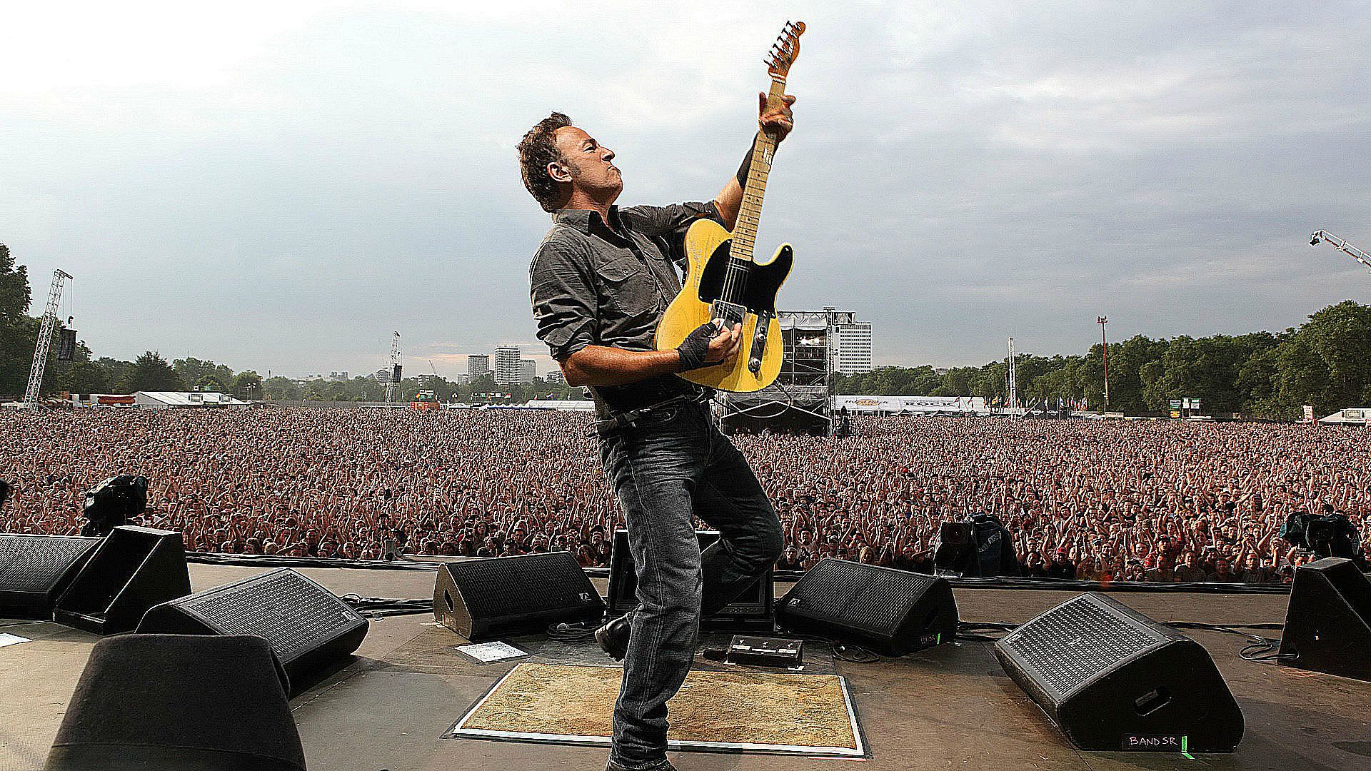 [Image: bruce_sporingsteen_live_wallpaper_london_2012.jpg]