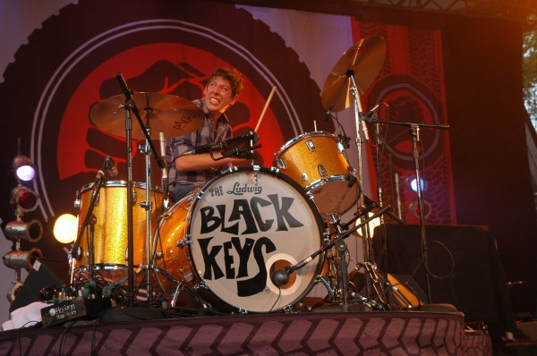 black keys Patrick Carney drum set