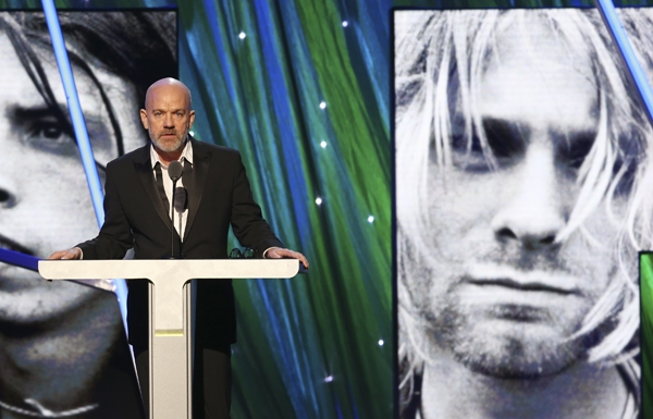 courtney love with michael stipe hall of fame