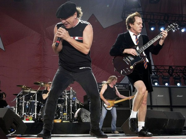 old-angus-young-and-brian-johnson-live-on-stage