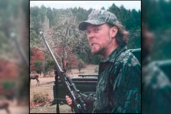 James Hetfield picture bear hunting
