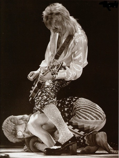 david bowie with mick ronson live on stage wallpaper