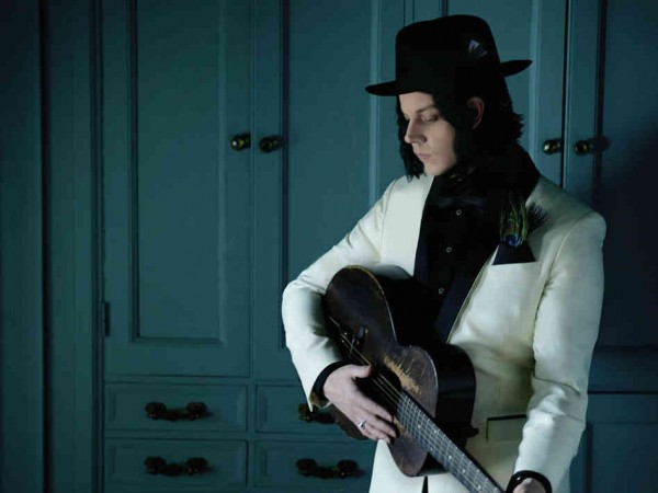 jack white white costume with hat and guitar